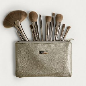 SMOKE 'N MIRRORS 10 PIECE METALIZED BRUSH SET WITH BAG BY BH COSMETICS
